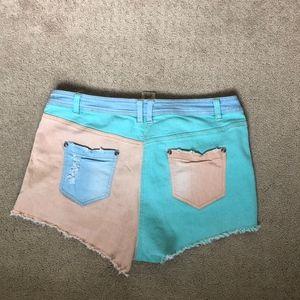 Flying Tomato Shorts - Multicolored retro jean shorts